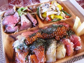 バチ鮪、サーモン、鯛、いくら。十六穀米ご飯で。