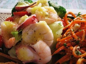 茹でキャベツと海鮮サラダ