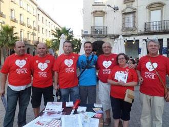 Miembros de la asociación el día 17 de julio en Huelva, recogida de firmas en contra del aborto