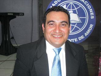 LIC. OSCAR VELASQUEZ, DIRECTOR DE LA ESCUELA DE EXCELENCIA MINISTERIAL