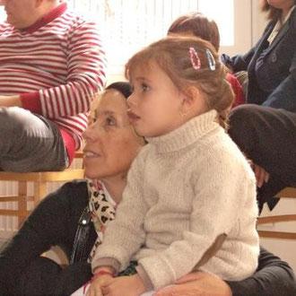 Uniendo generaciones a través del contar cuentos, una maravilla posible, un lujo. 20.06.2012