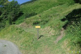 N°36/ Le panneau au retour du Col de Lagréou : le fauchage réussi est indispensable en complément de la signalétique !