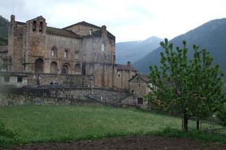 La Collégiale de Siresa, étape sur le Camino de Santiago venant du Col de Pau