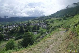 N°27/ Le Chemin de Barlatte regardant le Village de Lescun, fauché comme un jardin anglais
