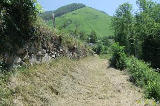 N°40/ Le Chemin Vieux d'Eygun à Cette : il s'est refait une beauté, mais aurait pu être un peu plus rasé au pied de la murette !