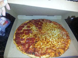 Nur mal so, das ist die Standardgröße einer Pizza hier!