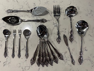 Oneida Stainless Brahms Pattern 91 Pieces  $375.00
