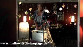 Marie tritt bei einem Kindergeburtstag als Zauberin auf