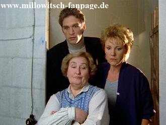 Der Schock: Peter, Nikolas Sohn, knutscht mit Dr. Schmidts Nichte herum