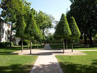"""Der Eingangsbereich zum """"Alten Friedhof"""""""