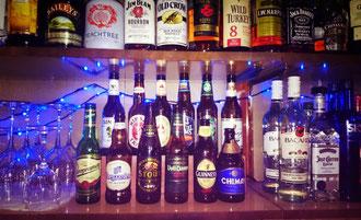 http://jp.fotolia.com/id/3262862 glasses of wine in restaruant © Piotr Sikora #3262862