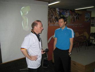Alles im Griff: Dirk Kjnne (links) von der hans-Christian-andersen-Grundschule und Jens Futterknecht vom DFB organisierten den sportlichen Event vorbildlich