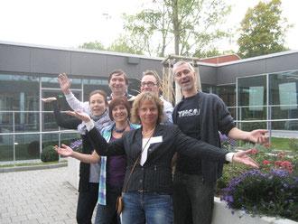 Manfred Wille aus Wolfsburg (Zweiter von links) mit Teilnehmerinnen und Teilnehmern aus der Schweiz, Rumänien, Dnemark, Finnland und der Tschechischen Republik