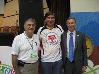 Von rechts: Der neugewählte Präsident des Internationelen YMCA/CVJM, Ken Colloton aus Albany(New York) aus den Vereinigten Staaten von Amerika, Manfred Wille, Vize-Präsident Fernando Ondarza aus Mexiko Stadt/Mexiko