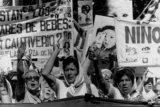 "Argentina: ""Madres de Plaza de Mayo"""