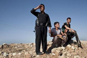 Kurdisk-irakiske peshmerga fighters i nærheden af Makhmur den 9. august 2014