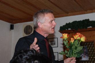 Hans hat den Neujahrsempfang perfekt organisiert