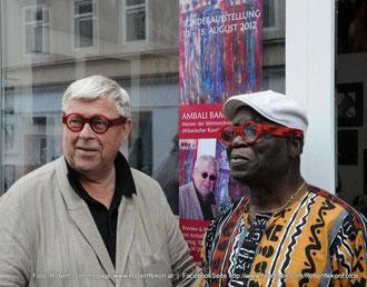 Kunst verbindet Kulturen und Menschen: Günther W. Wachtl und Ambali Bamgbola Foto: www.RobertNikon.at