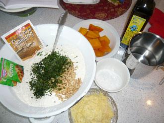 wildkräuter-kürbis-käse-brot