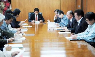 新空港開港に向けて石垣市が関係団体との意見交換会を開いた=2日午後、市役所