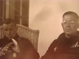 Hptm. Koob (left) and Oblt. Paffrath. This photo was taken in 1942 in the Caucasus (Photo courtesy Karl-Heinz Münch history of schw. Pz.Jg.Abt 654)