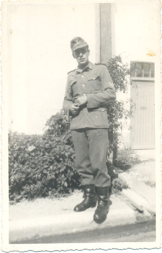 Grenadier Walter Laich (Photo courtesy Family Roland Laich)