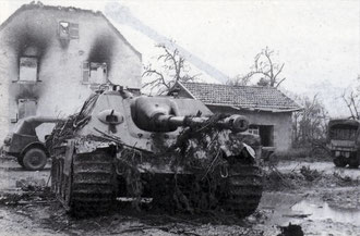 Jagdpanther of the 1st Comp. schwere Panzerjäger-Abteilung 654, knocked out in Grussenheim near Jebsheim