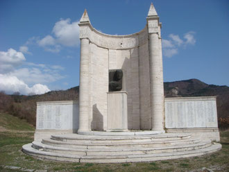 """On the way to the Giogo Pass is the US Memorial for the 363rd US Infantry Regiment of the 91st US Infantry Division """"Powder River"""""""