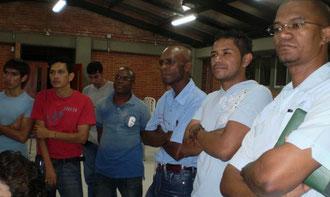 Jorman Fernado Gutiérrez, Robinson Crusó, Victor Mario Mina, Ricardo Chamorro, Homero Cabezas; algunas de las personas participantes en el primer taller de construcción de la emisora del Oriente