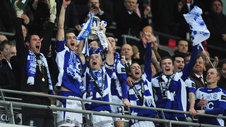 Spieler von Birmingham City mit dem Ligapokal 2011