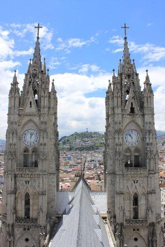 Vom turm der Basilika hat man einen tollen Blick auf die Historische Altstadt von Quito