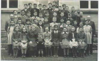 Schulklasse in Oberderdingen aus den 1950erJahren