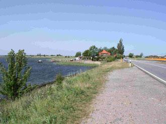 Zufahrtstraße zur Insel Pöhl (weitere Info. Bild anklicken)