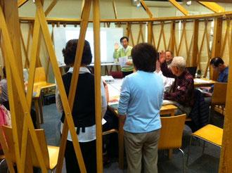 ☆世田谷区三軒茶屋のキャロットタワー3階の市民活動支援コーナー(パオ)での講座風景