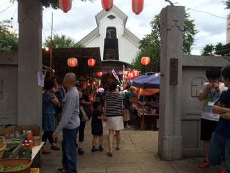 ☆光源寺「駒込大観音」とある門を通ると正面に大観音像。