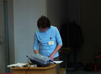 講座開始15分前の主任講師小川真理子さん