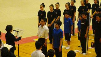 【成年個人表彰:向かって左が大江先生!】