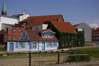 Fischerhaus hinter dem Elbedamm Wittenberge