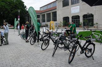 e-Bikes vor dem Deutschen Verkehrsmuseum