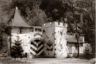Historische Aufnahme der Feilichtbühne Aiser