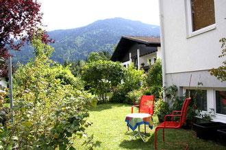 Garten mit schönem Blick auf die Berge