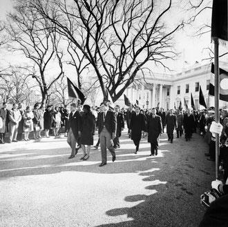 enterrement John Fitzgerald Kennedy marche chefs d'État Jackie Kennedy Robert Kennedy Edward Kennedy