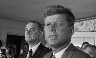 Johnson et Kennedy.