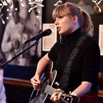 Taylor at the Bluebird Café (2018)