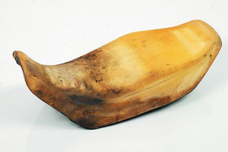 Une selle nue, c'est juste un morceau de mousse dont on peut modifier la forme et le confort.