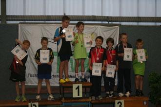 Siegerehrung Schüler C-Doppel v.l.: Chris, Jan, Hagen, Timothy, Lukas, Paul, Matti, Marlon