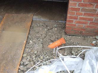 Drainagerohr in der Einfahrt