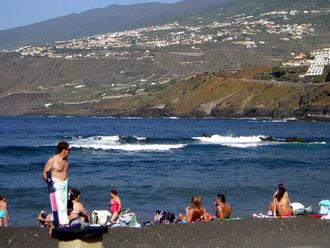 In Puerto de la Cruz ist der Strand Playa Martianez eine einmalige Kulisse zum baden.