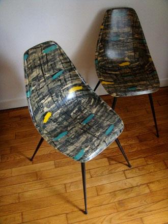 """Deux chaises """"coque"""" années 50 dlg DSX Eames"""