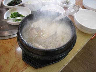 1月6日撮影。ロッテホテル釜山の近く、料理店